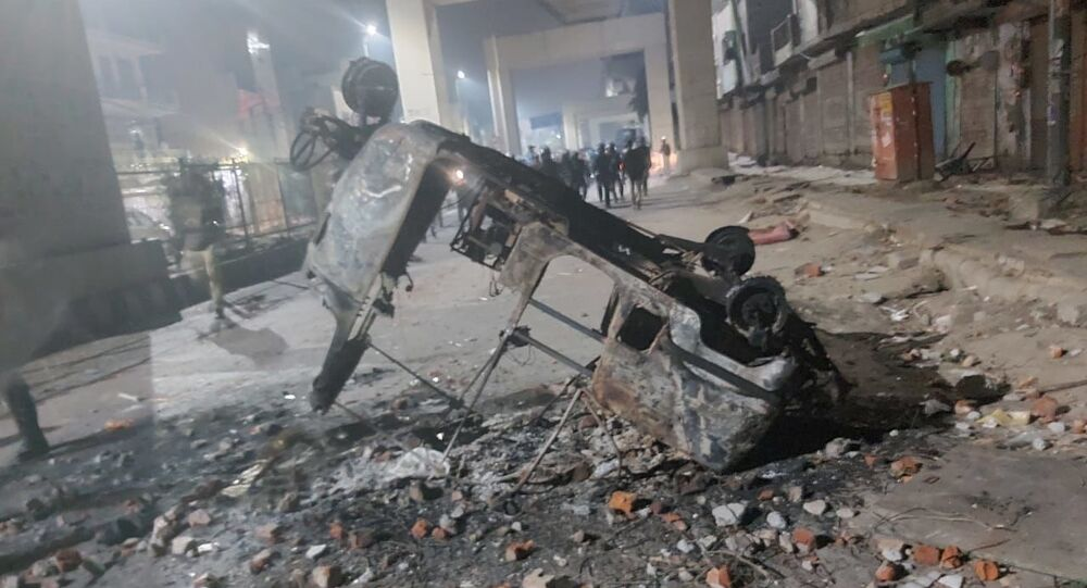 elhi is witnessing one of its worst clashes in recent times, as two communities have been throwing stones and petrol bombs at each other since Monday
