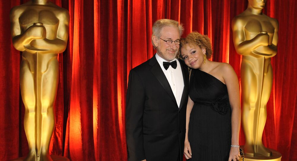 Steven Spielberg and daughter Mikaela George Spielberg arrive at the 81st Academy Awards, 22 February 2009, in Hollywood.