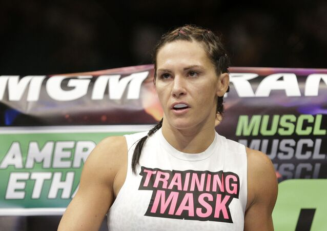 Cat Zingano during her fight against Amanda Nunes, Saturday, Sept. 27, 2014, in Las Vegas.
