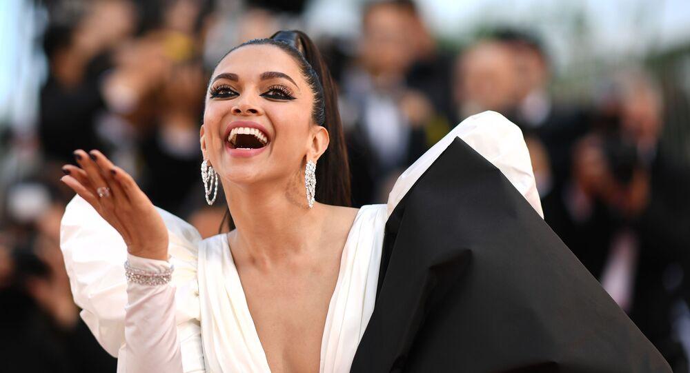 Deepika cancels Paris Fashion Week visit due to coronavirus