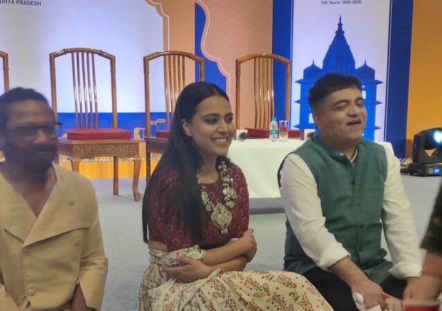 Bollywood actress Swara Bhaskar and singer-composer Swanand Kirkire (Right)
