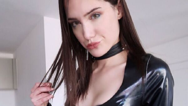 Zoe Noir - Sputnik International