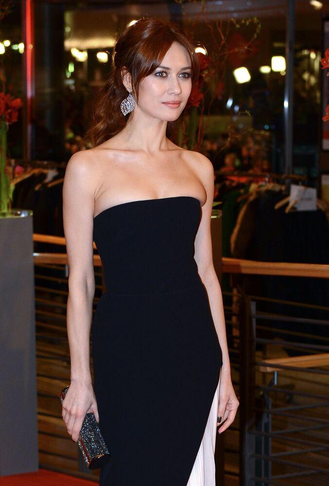 French actress and model of Ukrainian origin Olga Kurylenko has been suffering from coronavirus infection for more than a week
