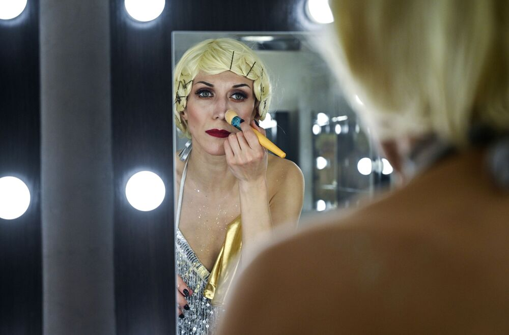 Lena Morigan getting ready to shine onstage