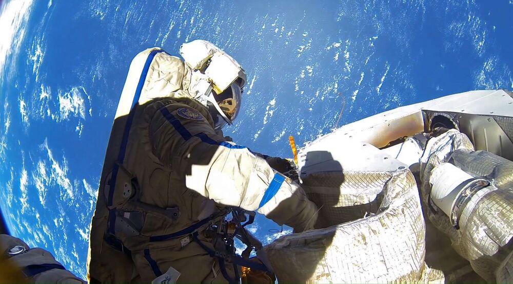 Roscosmos cosmonauts Anton Shkaplerov and Alexander Misurkin during spacewalk