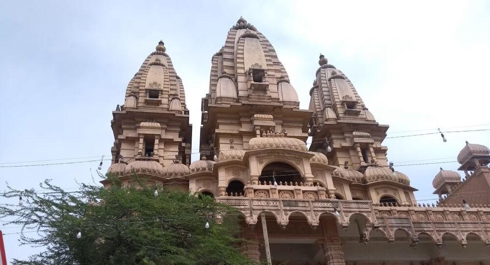 Delhi's Famous Chhatarpur Mandir temple