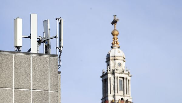 Mobile network phone masts are visible in front of St Paul's Cathedral in the City of London, Tuesday, Jan. 28, 2020. - Sputnik International