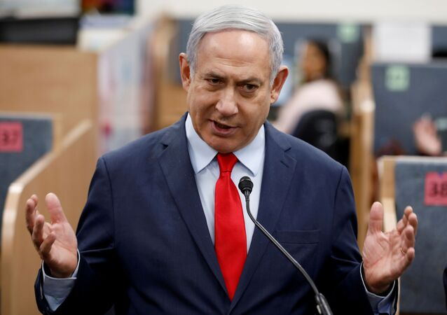 sraeli Prime Minister Benjamin Netanyahu gestures as he delivers a statement during his visit at the Health Ministry national hotline, in Kiryat Malachi, Israel March 1, 2020.
