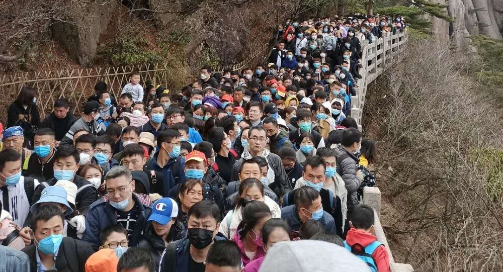 China Reopens Tourist Spots - Health Experts Warn Coronavirus Not Gone