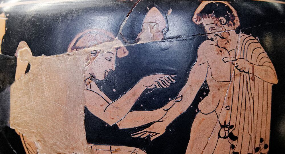Physician treating a patient. Red-figure Attic aryballos