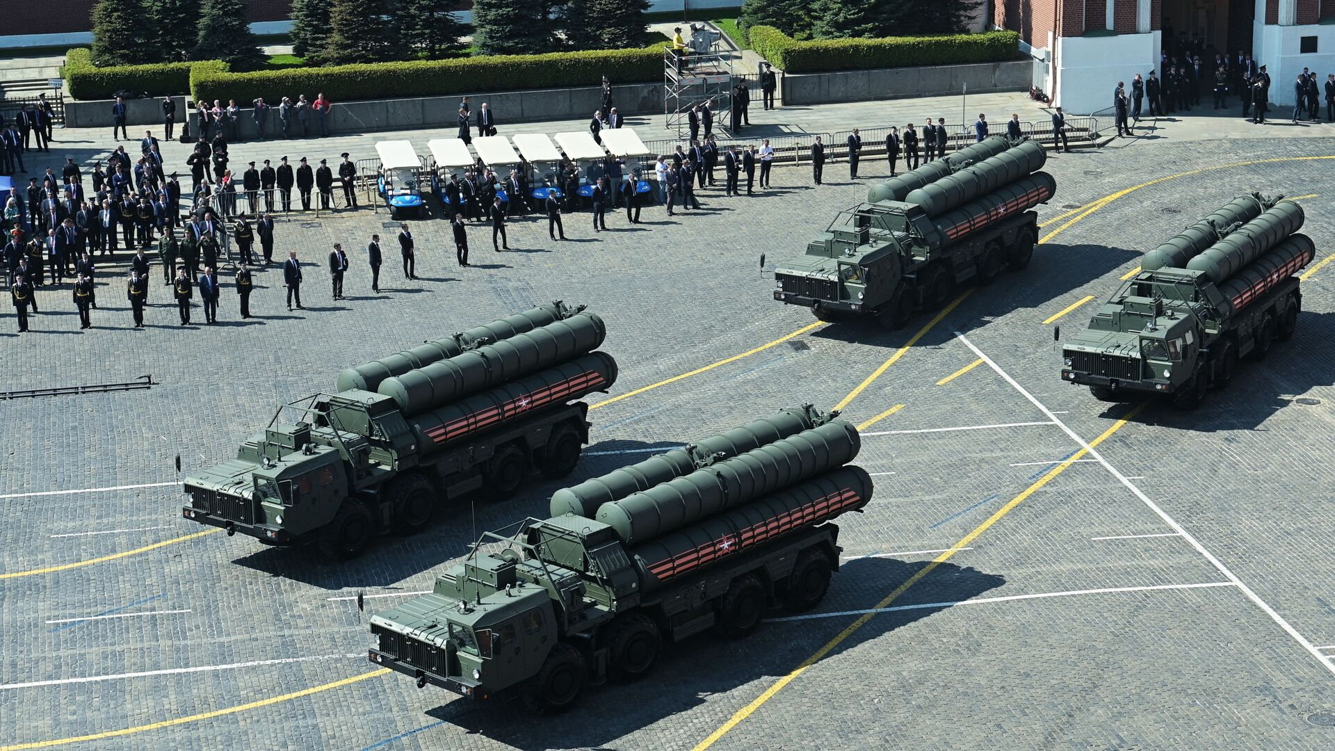 S-400 missile defence systems at the repetition of the Victory Day Parade, May 2019. - Sputnik International, 1920, 12.09.2021