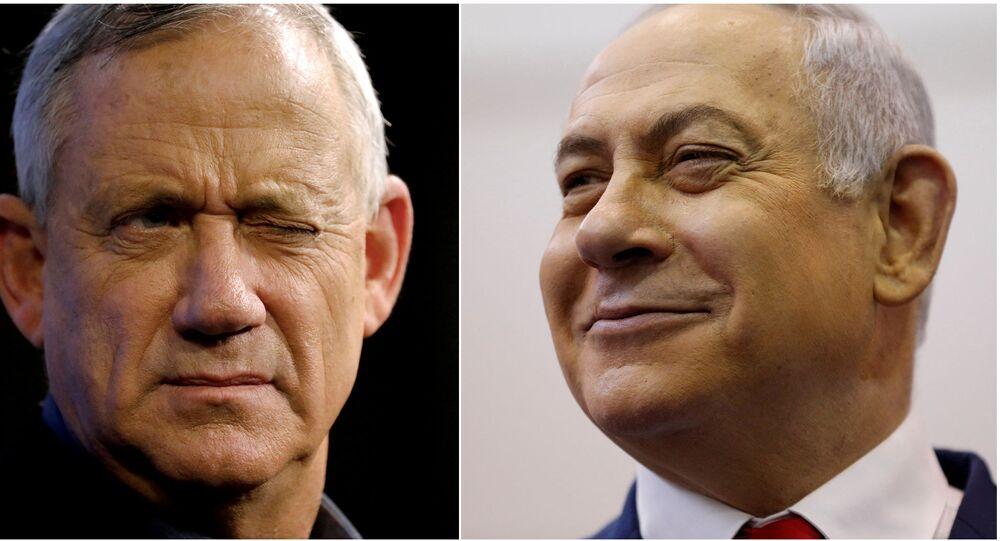 Israel's Netanyahu, Gantz face midnight deadline to form unity government