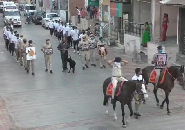 Surat City  organises  COVID19 awareness drive including dogs and horses
