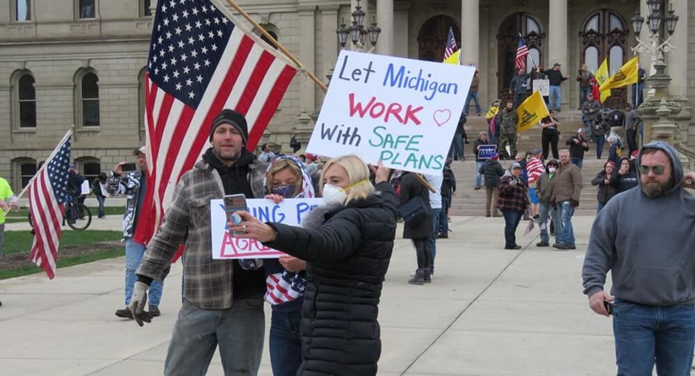 Michigan citizens protest Coronavirus restrictions on 15 April 2020