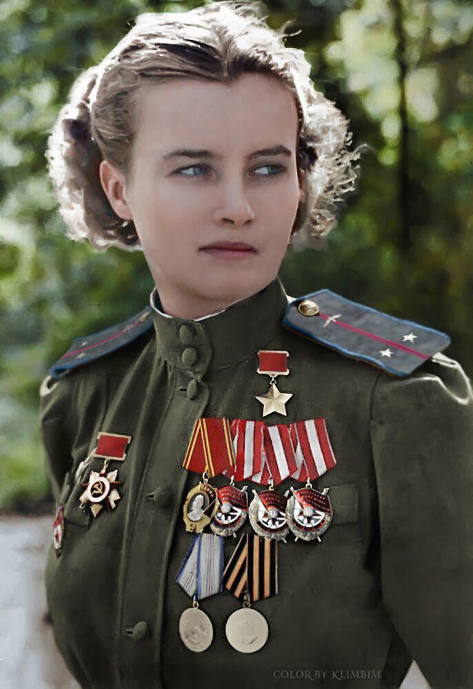Soviet aviator Natalya Meklin.