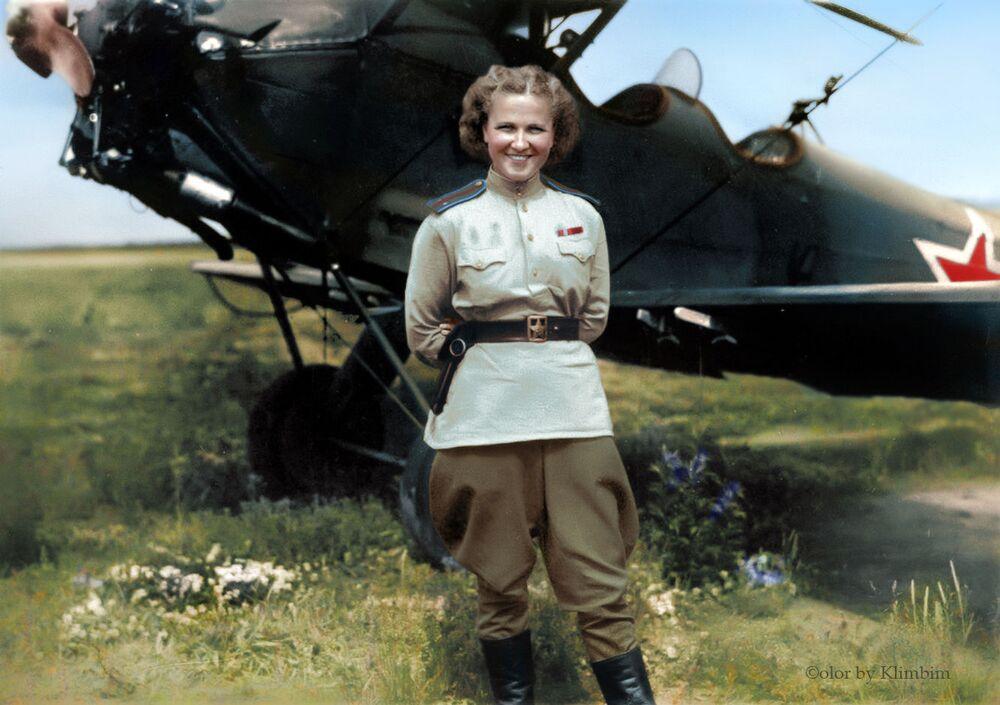 Soviet aviator Nadezhda Popova.