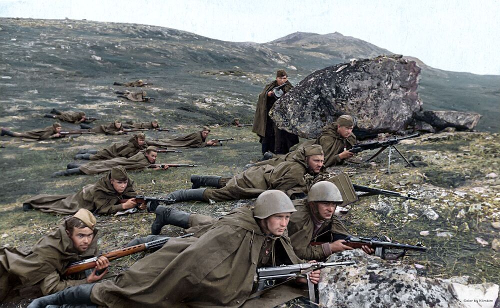 Marine scouts ambush the enemy, 1942.