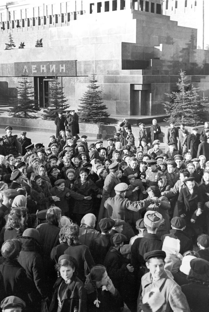 Morning on Red Square on 9 May 1945