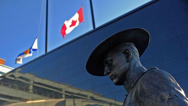 Canadian flags flown at half mast after the April 2020 Nova Scotia shooting - Sputnik International