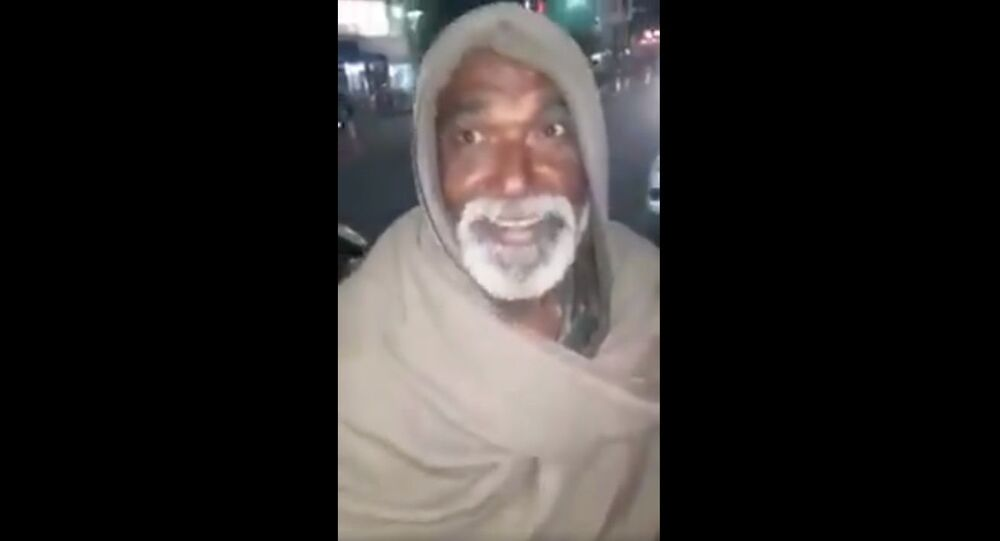 This man, a beggar from Patna sings Jim Reeves He'll have to go
