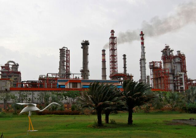 An oil refinery of Essar Oil, which runs India's second biggest private sector refinery, is pictured in Vadinar in the western state of Gujarat, India, October 4, 2016.