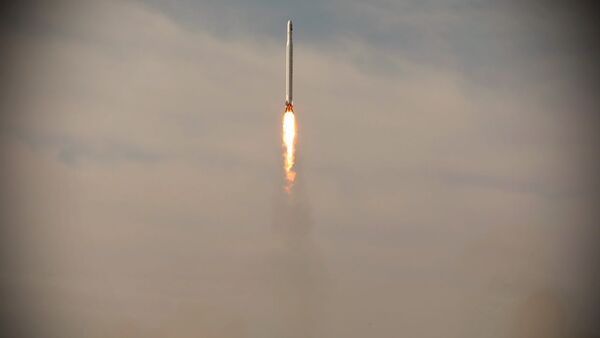 A first military satellite named Noor is launched into orbit by Iran's Revolutionary Guards Corps, in Semnan, Iran April 22, 2020 - Sputnik International