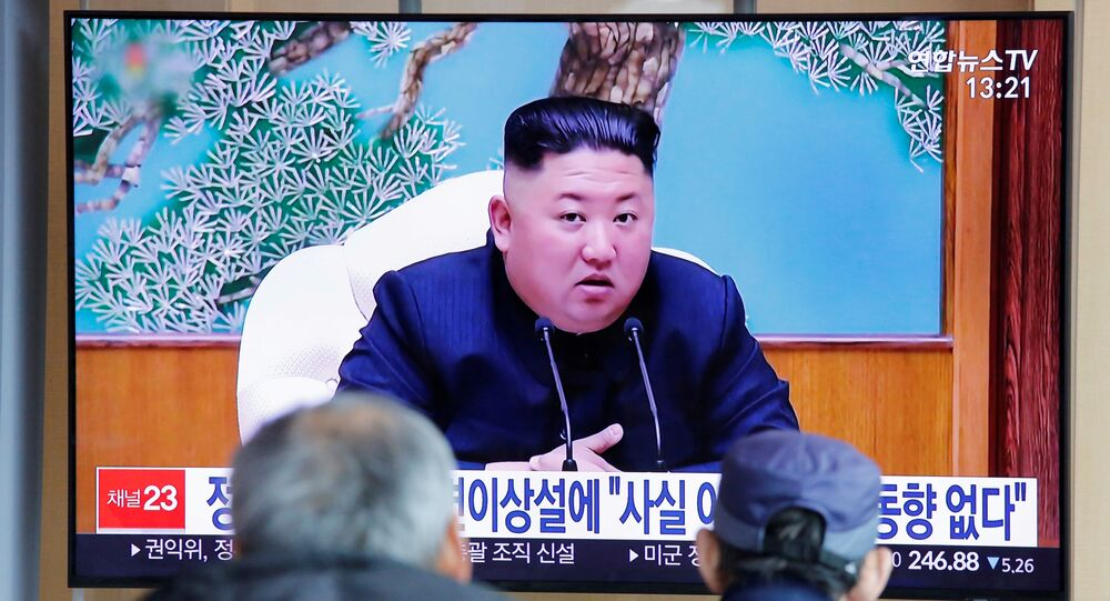 South Korean people watch a TV broadcasting a news report on North Korean leader Kim Jong Un in Seoul, South Korea, 21 April 2020.