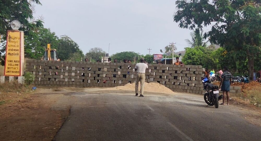 Tamil Nadu closed three routes to AndhraPradesh by building walls