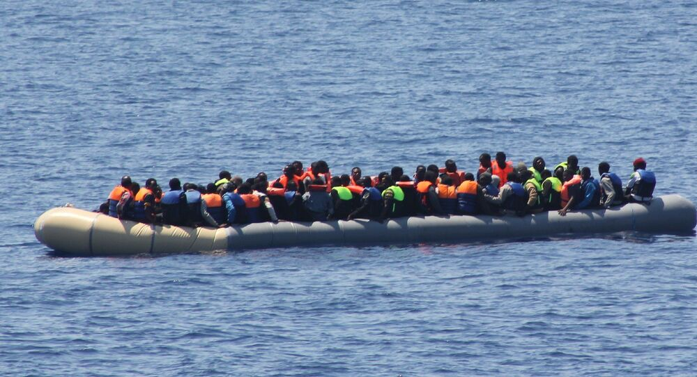 Migrants boat