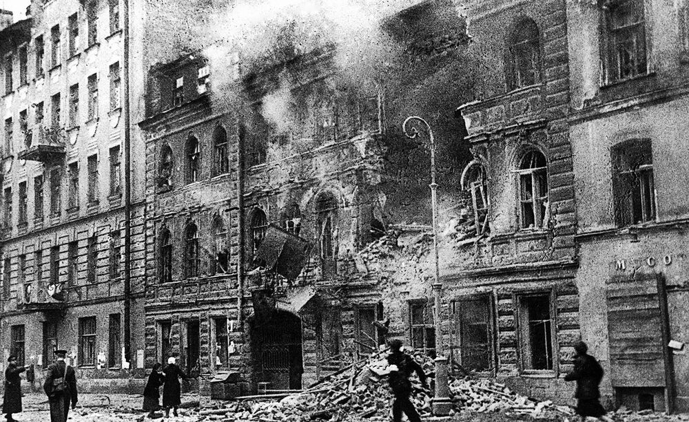 Leningrad during the shelling. 1 March  1942