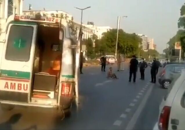 Covid-19 patient trying to flee Delhi's RML hospital held by police at Connaught place