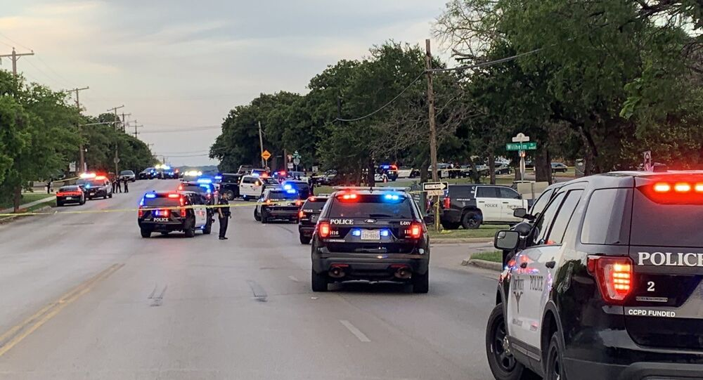 Police arriving to the site of shooting in Fort Worth, North Texas, 10 April 2020