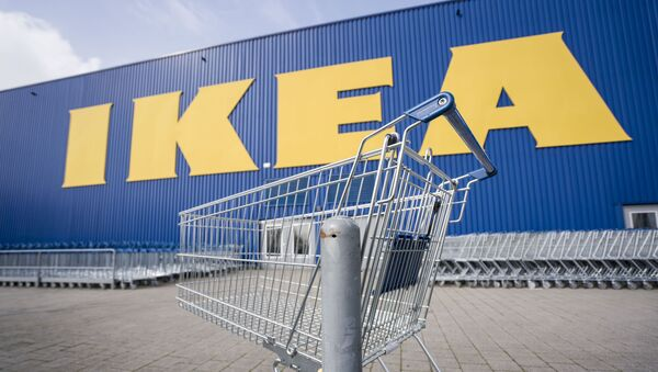 Until further notice, the branch of the furniture chain Ikea at the location of the company's German headquarters in Wallau near Wiesbaden is closed, in front of which an empty shopping trolley is standing, Germany, Tuesday, March 17, 2020. - Sputnik International