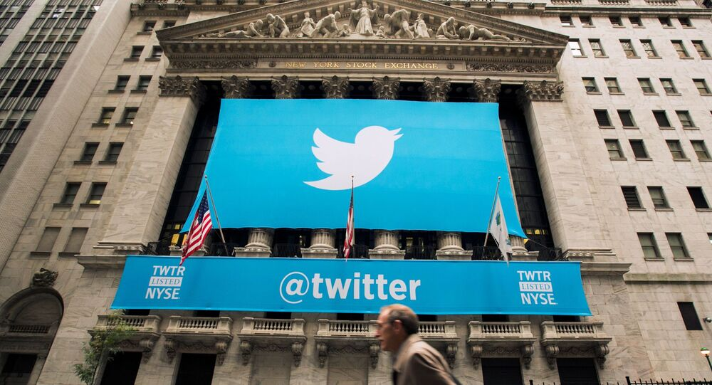 Twitter logo on the front of the New York Stock Exchange