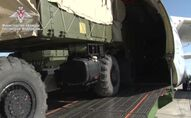 Loading on a plane of the RF Ministry of Defense components of the S-400 Triumph anti-aircraft missile systems intended for delivery to Turkey