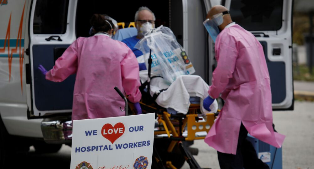 A sign thanking hospital workers is seen outside the ER area at Holy Cross Hospital, amid an outbreak of coronavirus disease (COVID-19), in Fort Lauderdale, Florida, U.S., April 20, 2020.