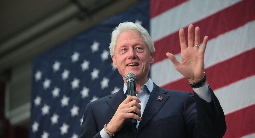 Fmr Clinton associate alleges Bill Clinton traveled to Epstein Island