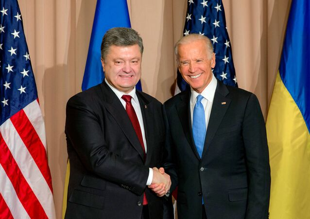 Ukrainian President Petro Poroshenko, left, and US Vice President Joe Biden during a meeting at the World Economic Forum