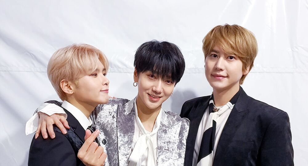 Super Junior's unit - Ryeowook, Yesung and Kyuhyun on backstage of a concert in Japan