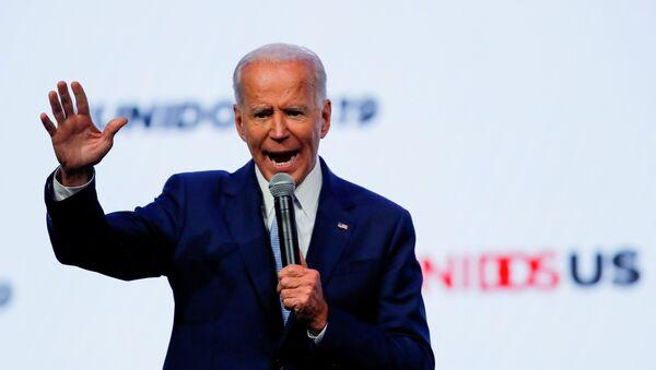 Democratic 2020 presidential candidate and former U.S Vice President Joe Biden gestures as he speaks at the UnidosUS Annual Conference, in San Diego, California, U.S., August 5, 2019. - Sputnik International