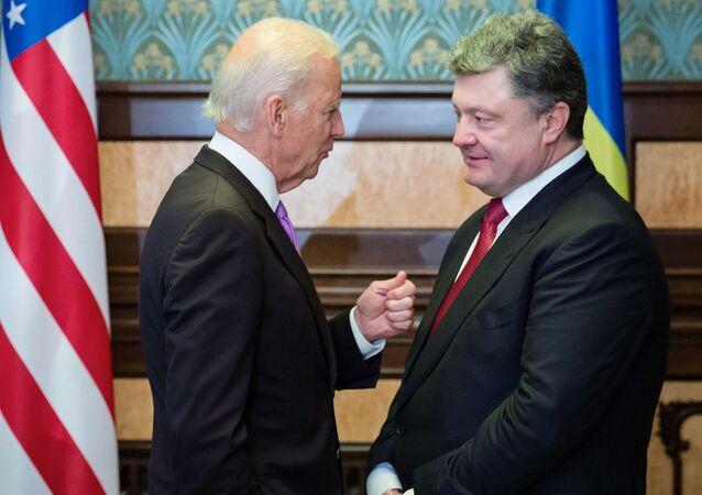 US Vice President Joe Biden (left) and Ukrainian President Petro Poroshenko during a meeting in Kiev