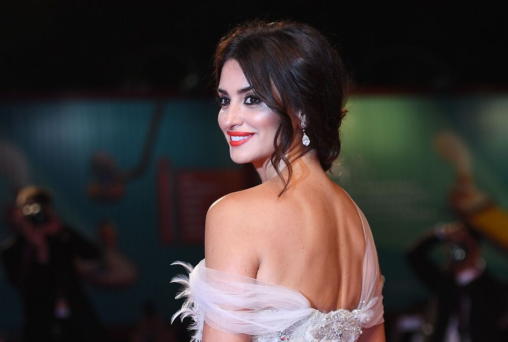 Spanish actress Penelope Cruz on the red carpet before the premiere of Wasp Network at the 76th Venice Film festival