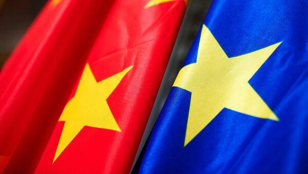 EU China flags - Sputnik International