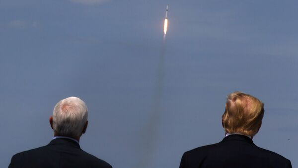 U.S. President Donald Trump and U.S. Vice President Mike Pence watch the launch of a SpaceX Falcon 9 rocket and Crew Dragon spacecraft, from Cape Canaveral, Florida, U.S. May 30, 2020. - Sputnik International