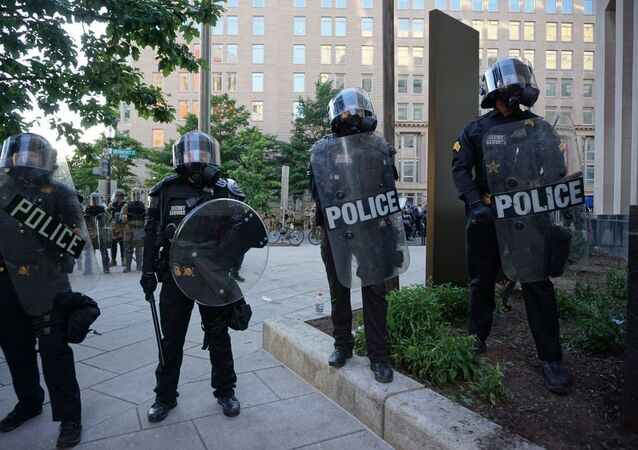 Washington DC: Police deployed amid ongoing protests over George Floyd's death in Minneapolis police custody