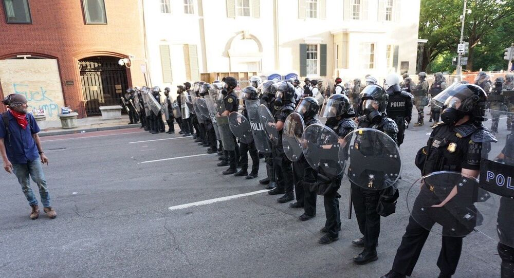 Police deployed in Washington DC amid ongoing George Floyd protests