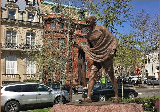 'My life is my message' -- Mahatma Gandhi Memorial Washington (DC)