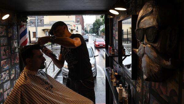 Boy Cut Barber Truck mobile barbershop in Moscow - Sputnik International