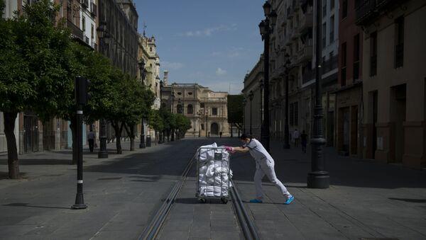 Empty street in Seville - Sputnik International