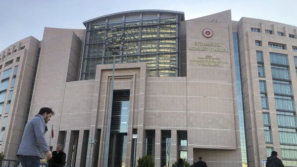 People walk to the Justice Palace as a trial against Metin Topuz, a Turkish employee of the United States Consulate in Istanbul charged with espionage and attempting to overthrow the Turkish government, began in Istanbul, Tuesday, March 26, 2019. - Sputnik International